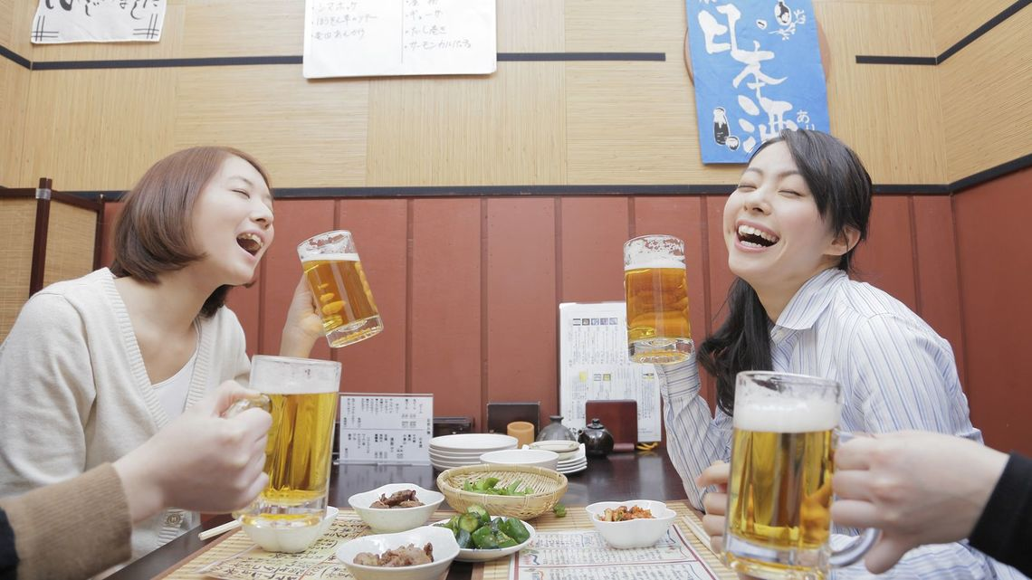 7d535ed2ecf 日本人はとにかくビールが好き、というイメージがあるようだ(写真:KAORU/PIXTA)