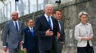バイデン大統領は中国への強硬策をやめられない