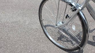 右側走行の「逆走自転車」、事故時の責任は?
