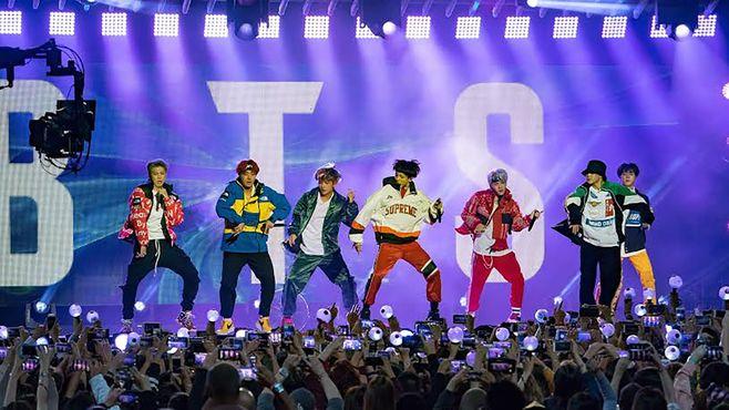 韓国「BTS」が米国ファンを熱狂させる秘密