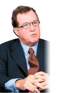 (このひとに5つの質問)デービッド・L・スタルブ アーンスト&ヤング企業不正対策・係争支援(FIDS)部門責任者