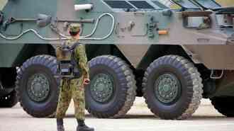自衛隊装甲車「エアコン装備が後れすぎ」の面妖