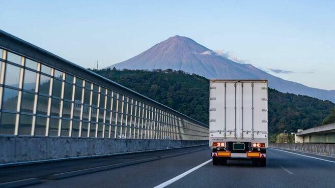 東京-大阪「運賃6万円も」トラック運転手の苦悩