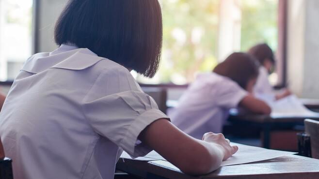 沖縄、全国学力テスト「最下位脱出」の光と影