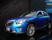 マツダはモーターショーで新型SUV「CX−5」を公開、ディーゼル車を前面に打ち出す