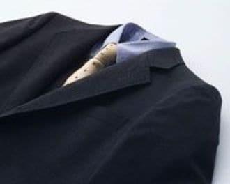 就活生に「洗えるスーツ」は微笑むのか?コナカの戦略を読む!《それゆけ!カナモリさん》