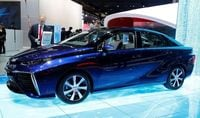 Toyota says its fuel-cell vehicle gaining traction in California