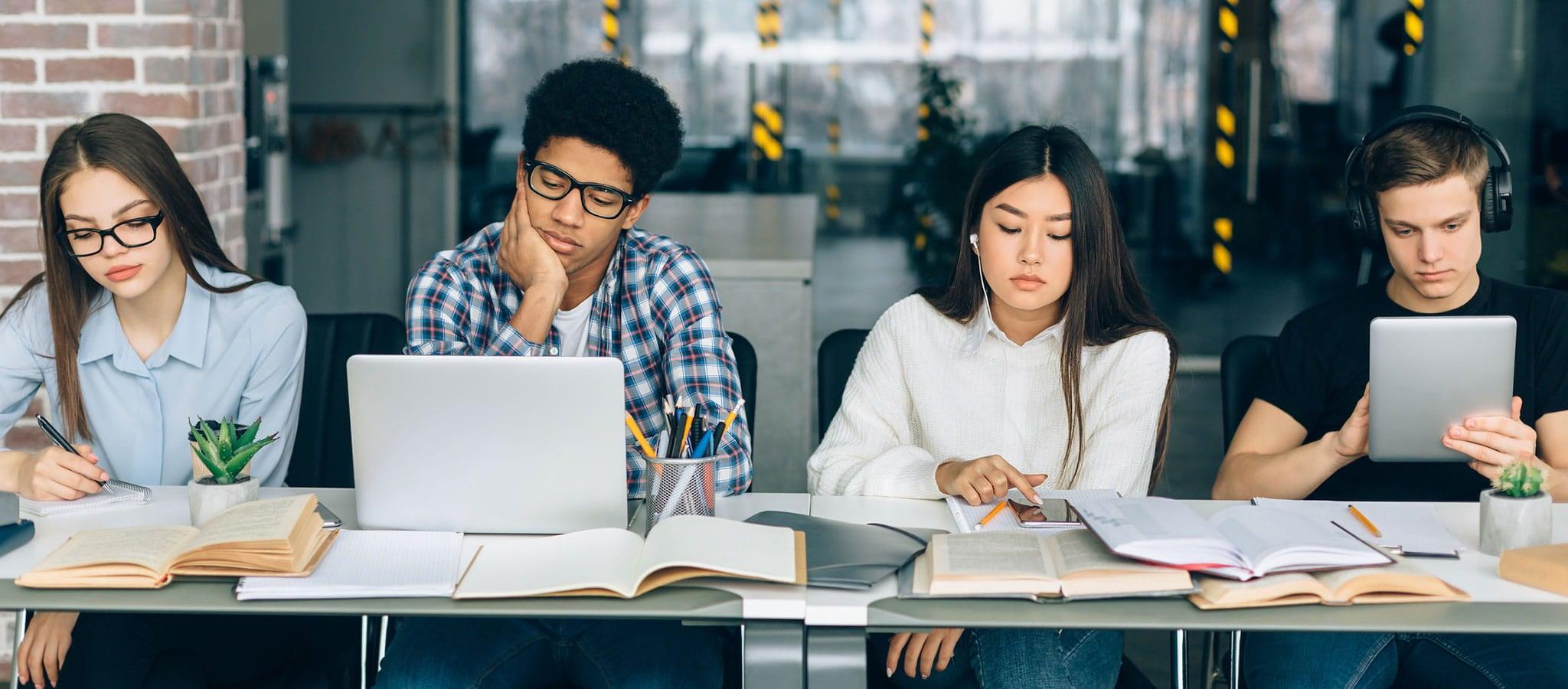 「紙とデジタル」学びの違いは、経験の差の可能性