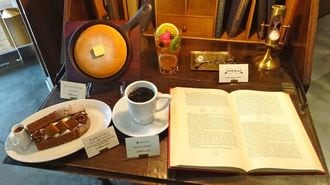 ドトール、3000冊並ぶ「図書館カフェ」の全貌