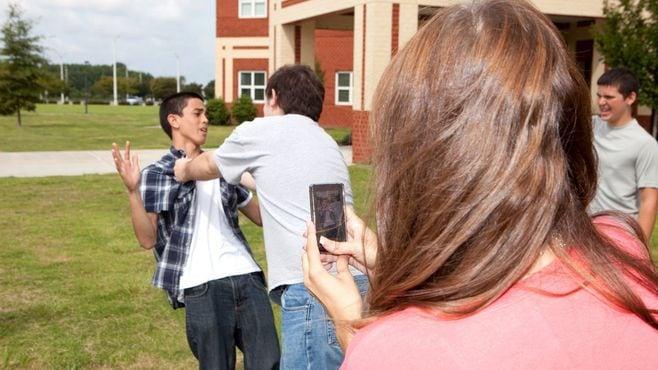 「いじめ動画」を投稿したがる子供の歪んだ欲望