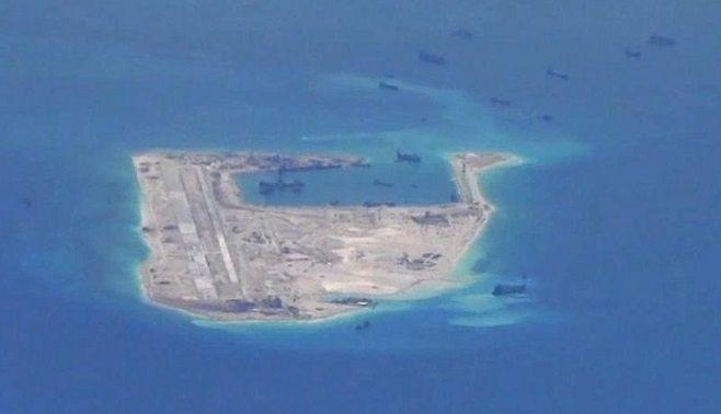 ビル・エモット「中国の領海拡大を許すな」