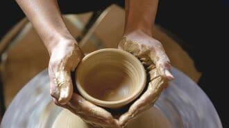 4割が廃業危機「伝統工芸職人」の新しい突破口