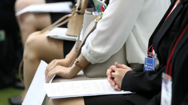韓国の若者が「就職難」でも大企業にこだわる訳