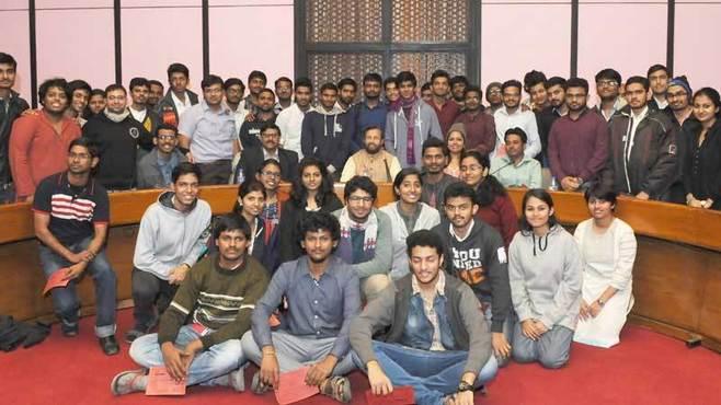学生3億のインド、日本企業が採用するには?