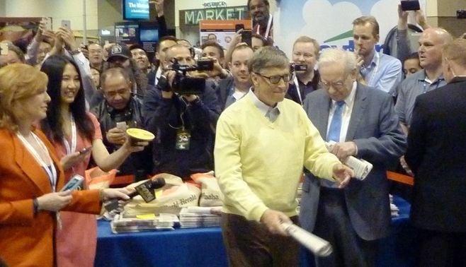 84歳バフェット株主総会に4万人熱狂の理由