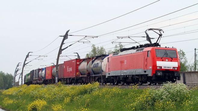 貨物列車の「自動運転」実現は物流を変えるか