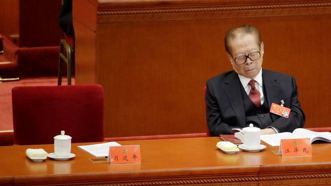 党大会「居眠り江沢民」から読む中国の近未来