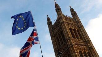 英国のEU離脱まで1年、不安がぬぐえないワケ