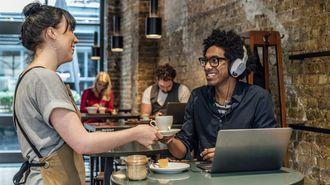 「カフェで仕事する人」はぶっちゃけ邪魔か