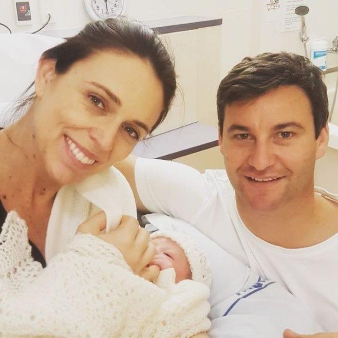 ニュージーランド首相、女児出産で6週の産休