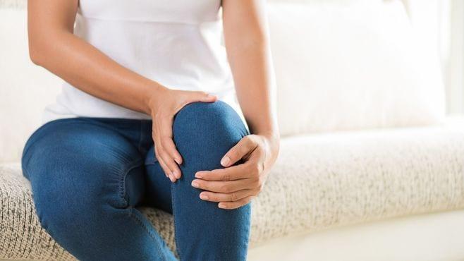 ひざの痛みに悩む人が意外と知らない根本原因
