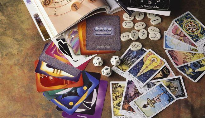 なぜ、人は「カード占い」に一喜一憂するのか
