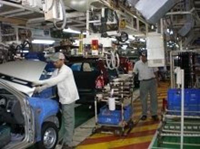 スズキがインドで独走、市場シェア6割に接近