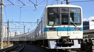 小田急8000形、最後の「白い通勤車両」の存在感