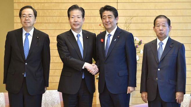 安倍首相「改憲前のめり」で自公連立にきしみ