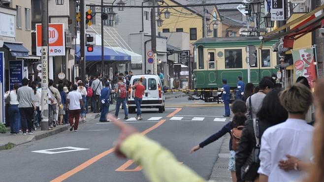 江ノ電の混雑対策、「沿線住民優先」は正解か