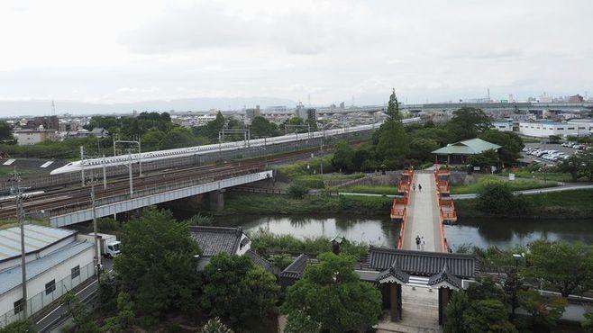 新幹線「利用者数最少駅」は、なぜできたのか