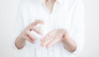 肌が不調のときに化粧品を替えてはいけない