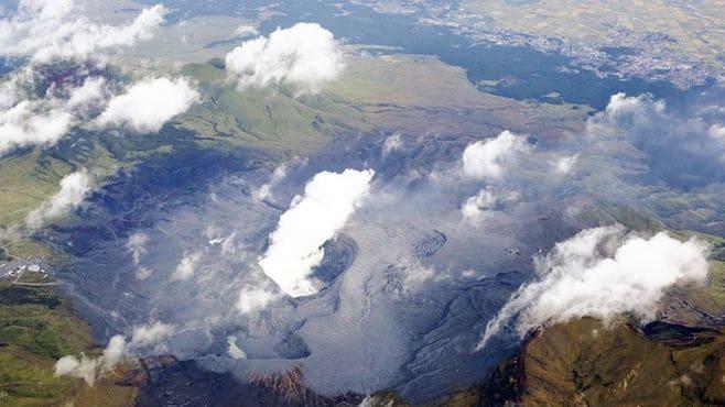 阿蘇山噴火、これから何に警戒するべきか