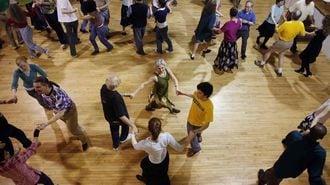 脳の老化予防には、歩くより踊るほうがいい