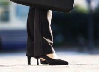 東洋経済CSRデータに見るROEと女性リーダー比率の関係