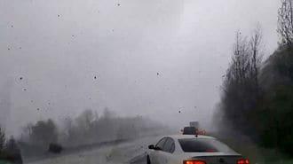 米中西部で記録的な大雪、航空便欠航相次ぐ