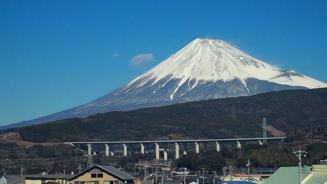 新幹線「両側の車窓」から見える富士山のナゾ