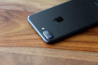 次世代iPhoneは「見た目」からして超絶斬新だ