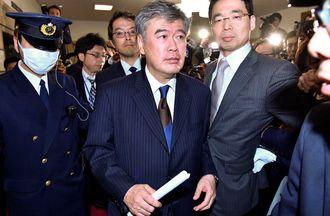 福田次官「セクハラ断固否定」でも辞職の理由