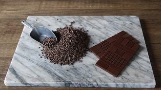 客の4割が男性、超人気「和製チョコ」の正体