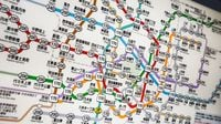 10 Useful Tips for Changing Trains to Get Around Tokyo