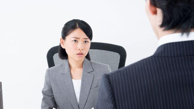 女上司に悩む男は「雑談」を相当軽視している
