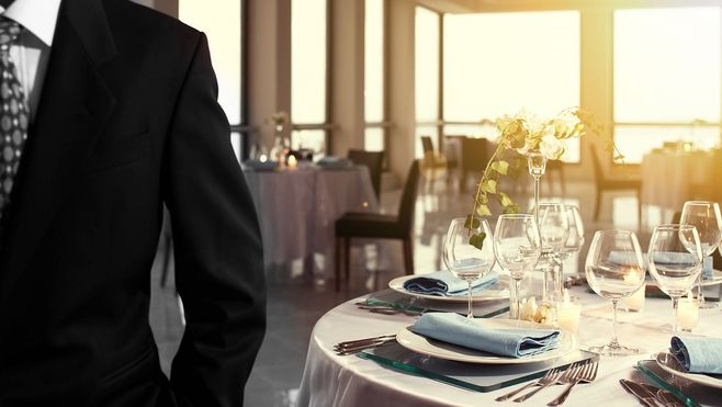 SNS浸透と「高級料理店」に必要な格式の狭間