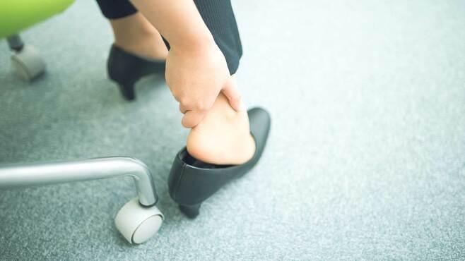 いつも足が痛い人がやりがちな靴のNGな選び方