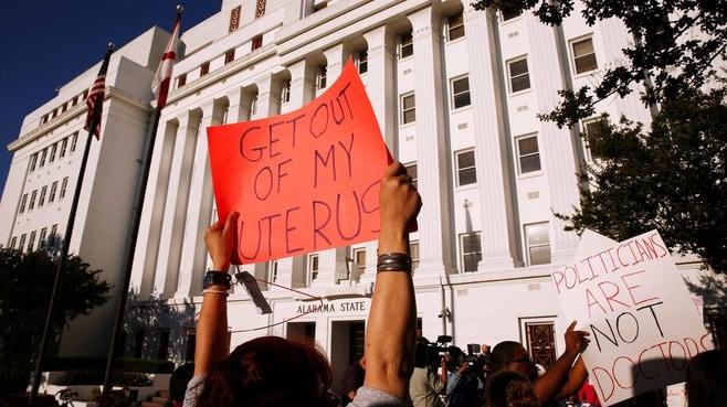 アメリカで「中絶禁止法」が次々成立する事情