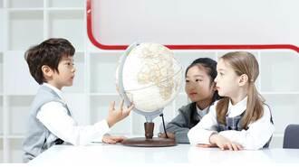 子どもの時に覚えた外国語はどの程度残るのか