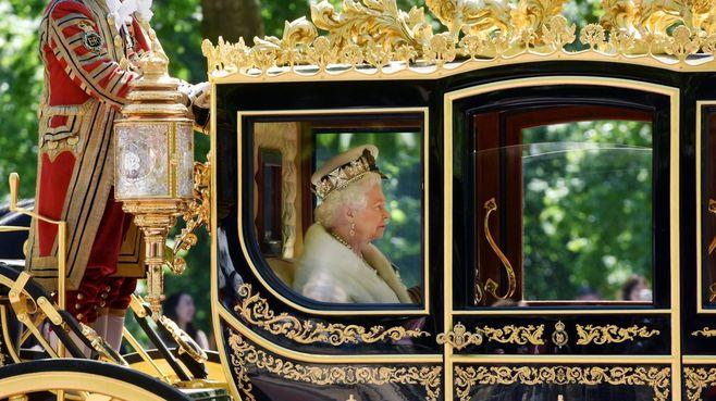 なぜ「女系・女王」をイギリスは容認してきたか