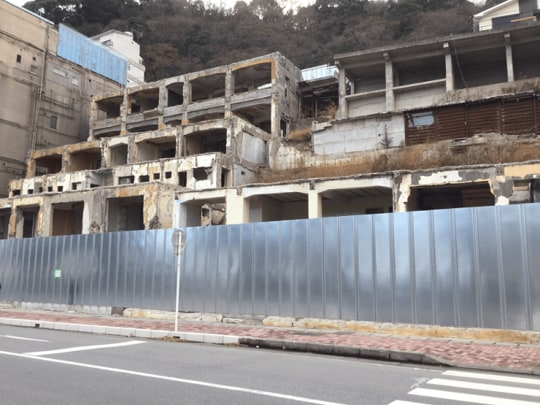 倒産 富士屋 ホテル