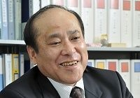制度の主人公は国民、担い手としての自覚を--『介護保険の意味論』を書いた堤 修三氏(大阪大学大学院教授)に聞く