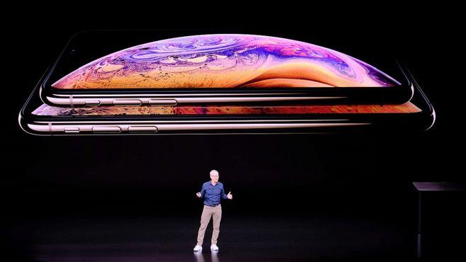 新iPhone、価格発表の瞬間に凍りついたワケ